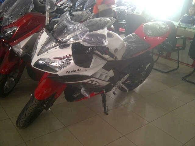 Warna baru r15 sudah ready di dealer yamaha area bogor for Yamaha dealers in my area
