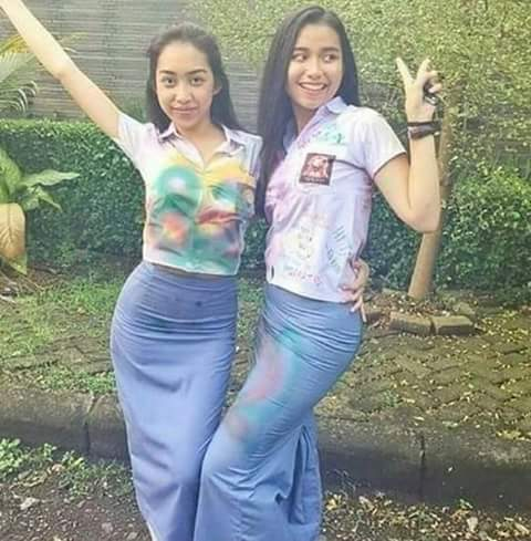 Image Result For Foto Cewek Cantik Dan Tante Montok Bergaya Mesum Diranjang