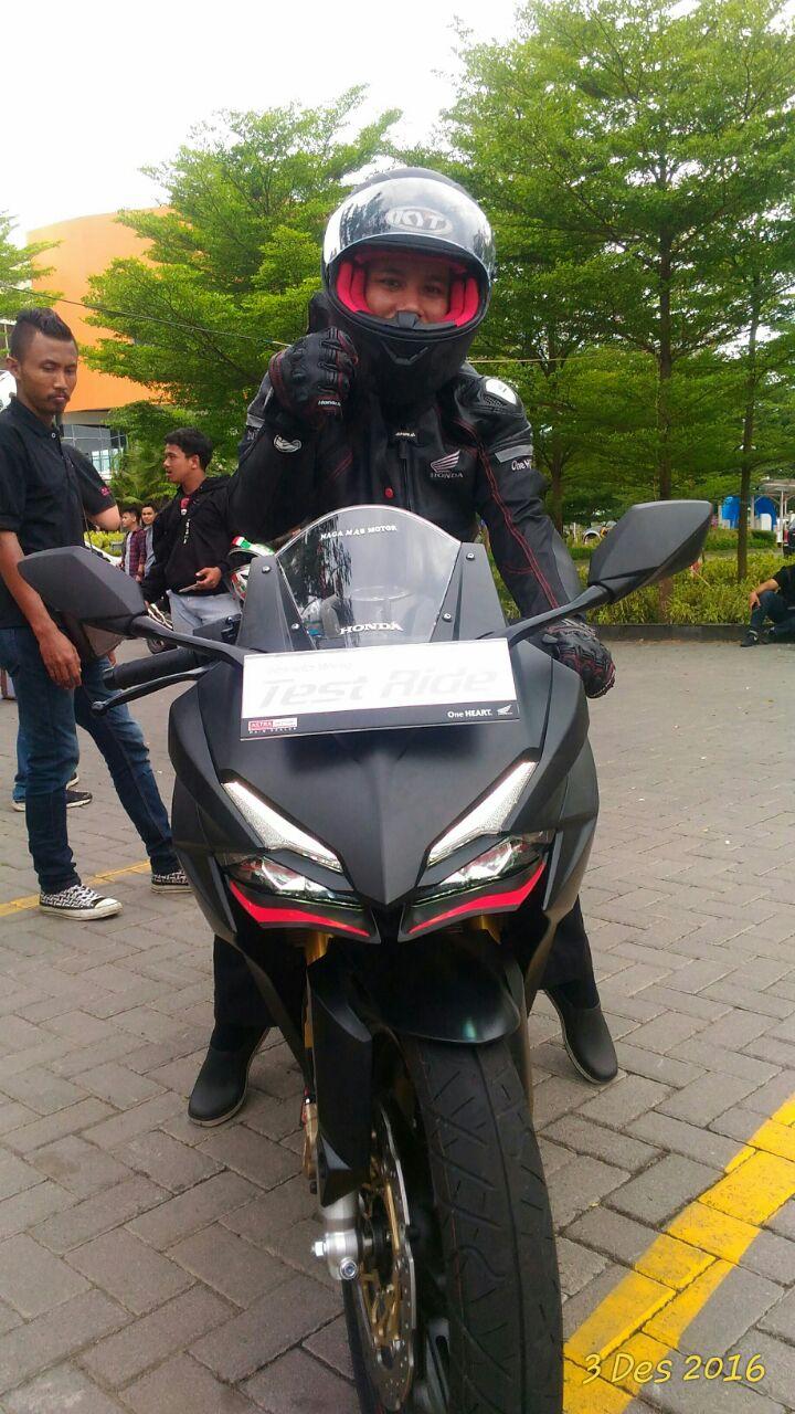 Koleksi Foto Cowok Ganteng Naik Motor Ninja Terbaru Otto Modifikasi