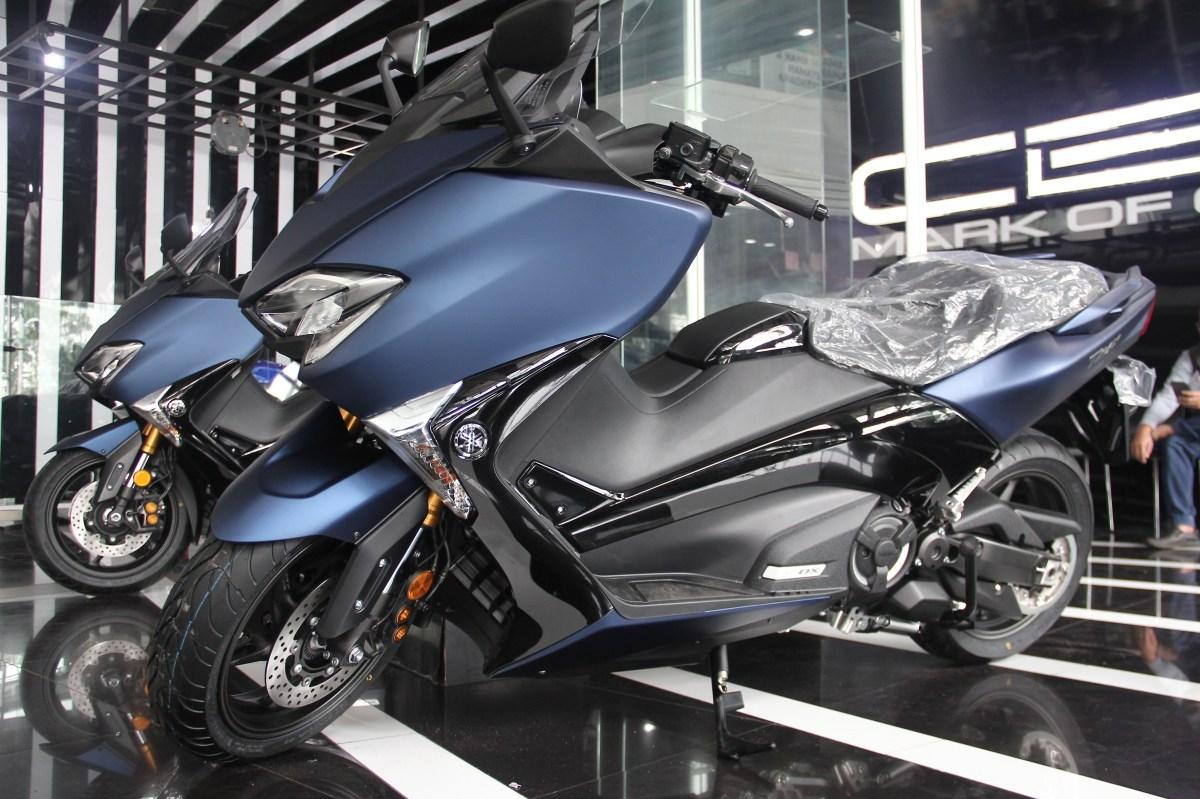 Yamaha resmi serahkan motor matic 530 cc ini kepada konsumen pertama di Indonesia