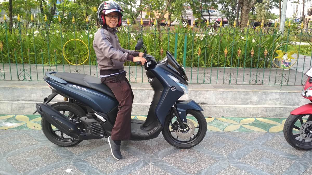 Review Test Ride Harian Yamaha Lexi S 125... Enak Banget...